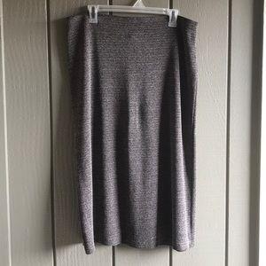Avenue 18/20 black & taupe knit midi skirt